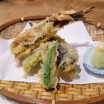 豆菜料理 はなさび - 鰯の梅肉はさみ揚げ(850円)