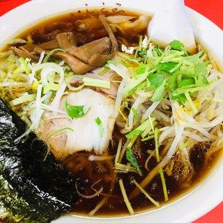 いしとみ - 料理写真:ワンタン麺@900円