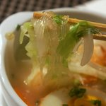ストーブ ダイニング - さっぱりと上品なスープに、つるつる入る春雨♪
