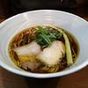 いかれたヌードル フィッシュトンズ - 料理写真:醤油ラーメン