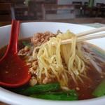 本格台湾料理 紅四季 - 中細ちぢれ麺