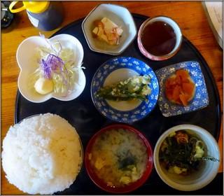 定食の店 牛太郎 - 納豆定食【500円】