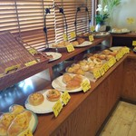 BOULANGERIE Ogawaya - 美味しそうなパンが並んでいます