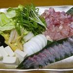 82508442 - 鍋料理:讃岐コーチン水炊きと鯛しゃぶの二味鍋