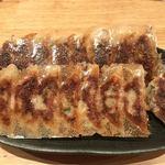 82511017 - ・奥   ニラ餃子 ¥450  ・手前    生姜餃子 ¥450