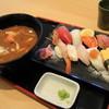 海鮮すし食堂 にほんのうみ - 料理写真:市場寿司ランチと漁師汁