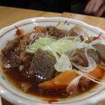 蕎麦と日本酒 八福寿家 - 牛すじ
