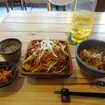 village cafe - ふーちゃんぷるー定食