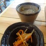 village cafe - ふーちゃんぷるー定食の小鉢とスープ