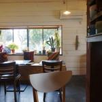 village cafe - 店内