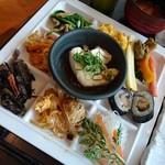 燦 - ランチ惣菜ビュッフェ