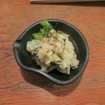 ウラニワ - 高菜ポテサラ380円