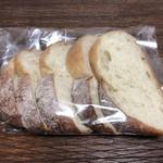 アンデルセン - 料理写真:小谷石窯ブレッド 1/4本 270円