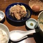 赤坂うまや - 麓どりの唐揚げと豚汁定食 ¥1200-