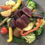 82531581 - 国産黒毛和牛赤身熟成肉と8種以上の有機野菜をココっと鍋でじっくり焼き上げる至高のランチセット