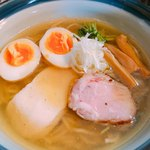 82532292 - 澄んだスープに、チャーシューと鶏胸肉の2種の肉が綺麗なビジュアル。