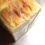 82535666 - 食パン。