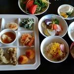 さんち家 - 料理写真:とてもたくさんの野菜料理~♪