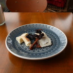 カフェ エ フロマージュ シニョン - チーズ盛合せ(2種)