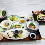 ともしげ - 会席料理…5,000円(店内用)