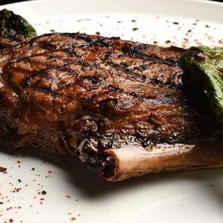 肉の旨みがしっかりと凝縮された看板メニュー牛肉のチュレトン