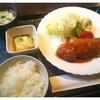 連れてっ亭 - 料理写真:鶏ササミの大葉挟みフライと揚げ出し豆腐の盛り合わせ【平日10食限定日替りランチ】/御飯、味噌汁、サラダ、漬物付き