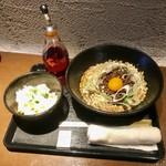 禅 - 冷たい辛味まぜ蕎麦並盛650円(税込)