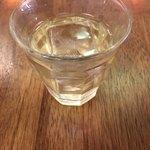 野菜とつぶつぶ アプサラカフェ - 食前酒、リンゴ酢と八角
