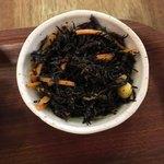 野菜とつぶつぶ アプサラカフェ - ひじきの酢の物?