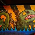 82547352 - インパクトある謎の壁画