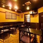 北信州の旬野菜たっぷりレストラン しんこきゅう - 和モダンな雰囲気の作り。12人でご利用の際は間仕切りも入れられます。