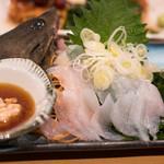 ゑびす - 2018.2 三重産カワハギ刺身(610円)