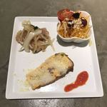82548198 - 本日の前菜(石垣牛のオムレツ、島人参とマンゴーのマリネ、マグロのサラダ)