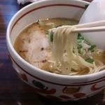 麺歩 バガボンド 本店 - ラーメンの麺