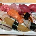 雅寿司 - 料理写真:盛合せ10貫