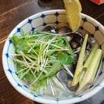ジャママート コーヒー - 北海道しじみとレモングラスのフォー 734円