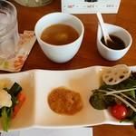 喫茶 フォレスト - サラダ&スープ