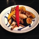 82558631 - 彩り野菜の温製サラダ