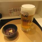 立喰い寿し すしつね - 生ビール・お通し