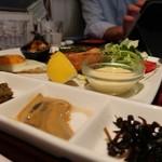 のものキッチン - 東北盛り合わせ定食ドリンク付き1290円