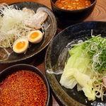廣島つけ麺本舗 ばくだん屋 - 料理写真: