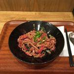 TK - ユッケ風ステーキ丼 ¥880 肉増し+¥250 大盛り無料