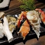 吉祥寺 三うら - たらば蟹、牡蠣