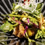 吉祥寺 三うら - ソフトシェルクラブのサラダ