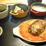 (る)ハレノヒ - ハンバーグドリア1080円
