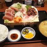 そうま - 直送魚のおまかせ刺身定食(税別1000円)  ライス大盛り無料