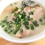82574367 - 白湯しお、細麺