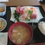長岡市場食堂 - 料理写真:さしみ定食