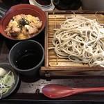 82574931 - 炭火親子丼ともり蕎麦 620円