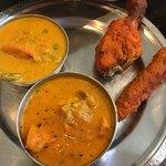 Devi Corner - チキンカレー、野菜カレー、タンドリーチキン、シークケバブ
